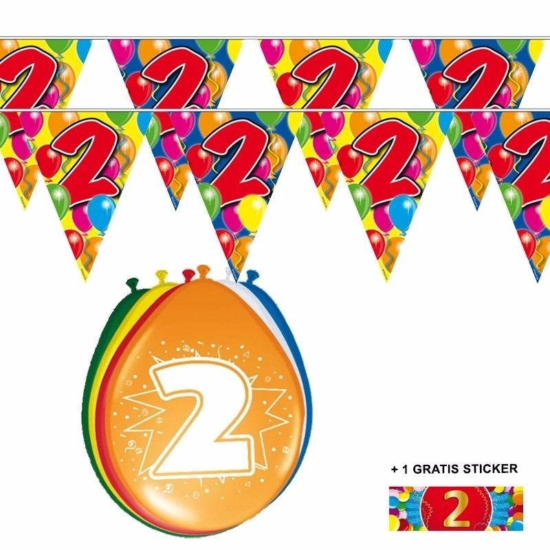 Image of 2x 2 jaar vlaggenlijn + ballonnen