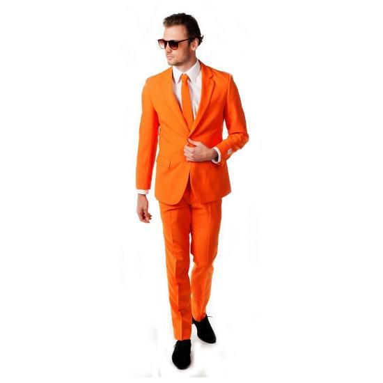 Oranje maatpak inclusief das