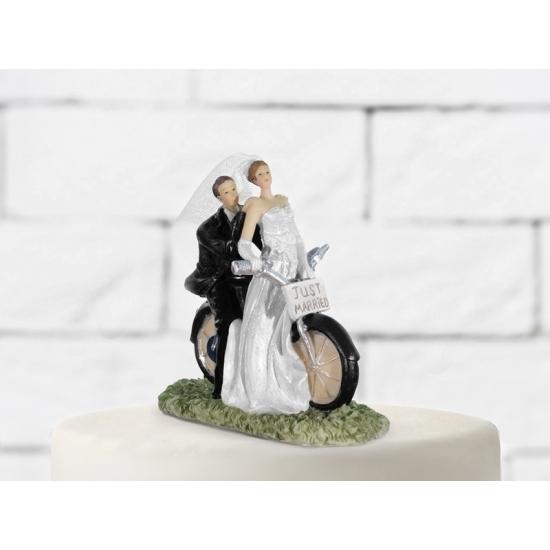 Image of Trouwfiguurtjes op fiets voor op taart