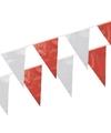 Rode en witte buiten vlaggetjes