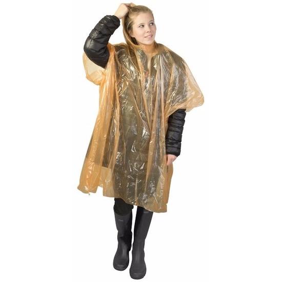 Wegwerp regenponcho oranje. oranje plastic wegwerp regenponcho/noodponcho met capuchon voor volwassenen. de ...