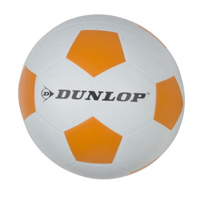 6054aa8142aad2 Professionele kinder voetbal maat 5. de voetbal is wit met oranje vakjes.  materiaal: