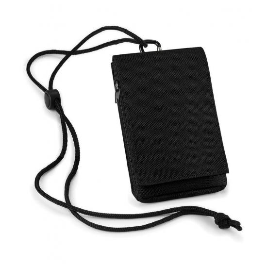 Telefoon hoesje met een formaat van ongeveer 9 x 12,5 cm. het bagbase telefoonhoesje is ook geschikt voor ...